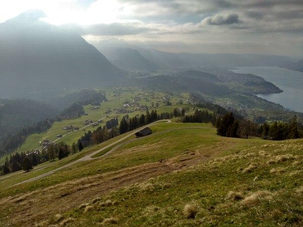 Вид на деревня Aeschiried от лыжных подъемников