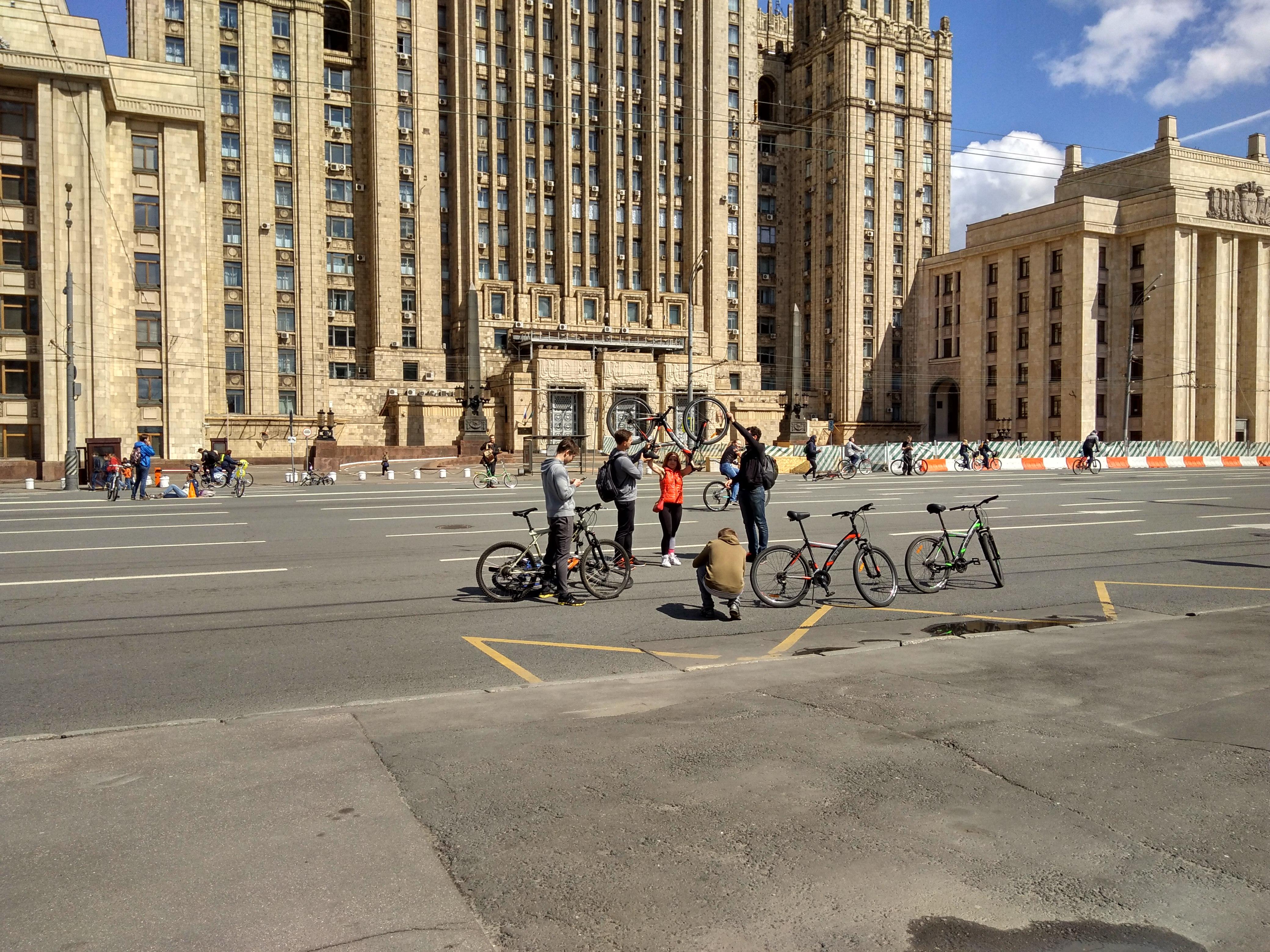 Велосипедисты захватили Садовое
